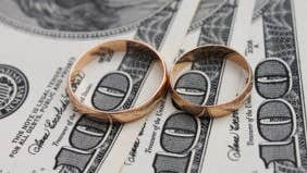 How do couples set money goals?