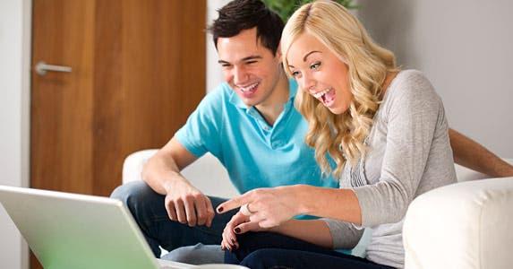 Follow the right social media accounts © iStock