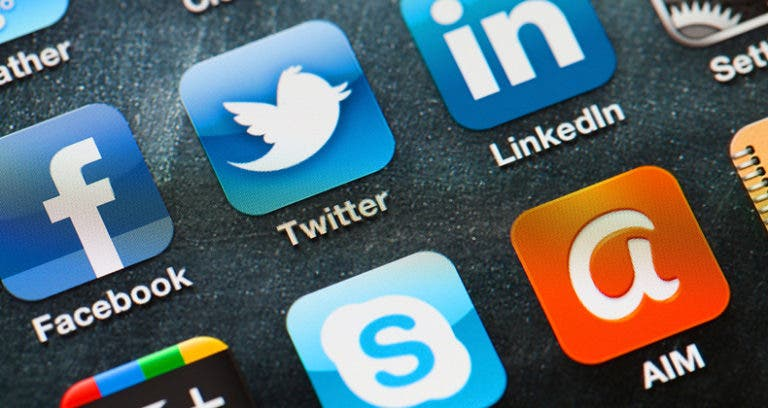 4 ways to harness social media to save money on travel