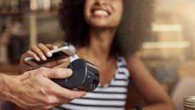 Find out why these 3 people are trying to go cashless