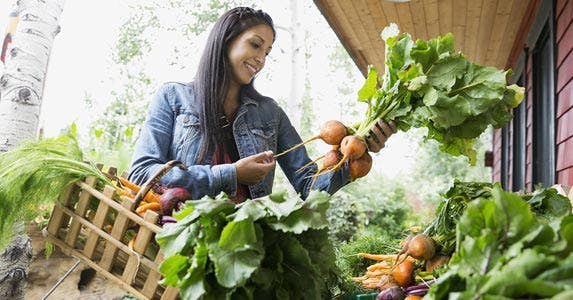 52-week challenge: Join organic veggie club? | Hero Images/Getty Images