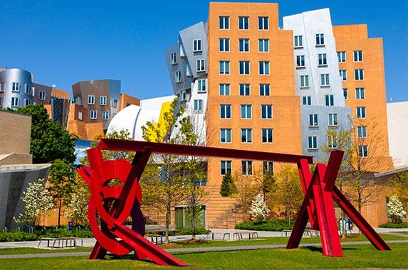 Massachusetts Institute of Technology © cdrin/Shutterstock.com