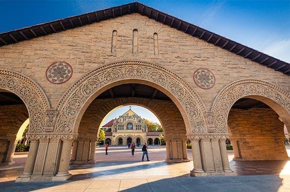 Stanford University © Martin Valigursky/Shutterstock.com