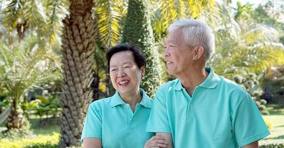 Happy couple retired in Florida © Glowonconcept/Shutterstock.com