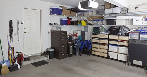 The secret to a neat garage: Storage © trekandshoot/Shutterstock.com