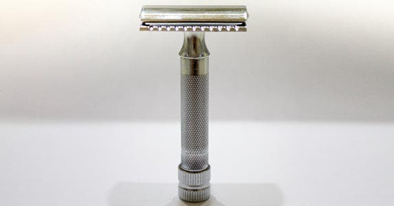 Safety razor handle © iStock