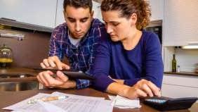 Americans' financial focus: Paying debt, rather than saving