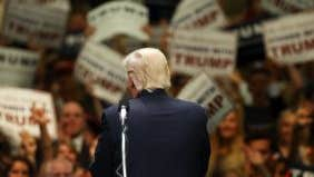 Survey: Economists give the presidential campaign an F and say the Fed will wait