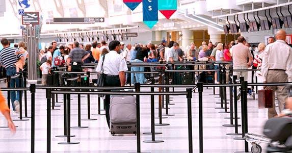 Airport rewards © Elena Elisseeva/Shutterstock.com