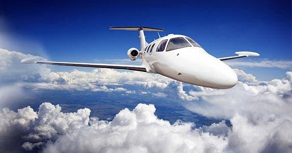 Rent a private jet © Vladimir Sazonov/Shutterstock.com