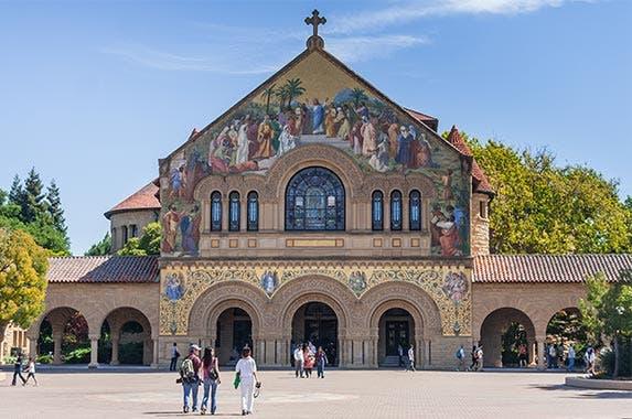 Stanford University © amadeustx/Shutterstock.com