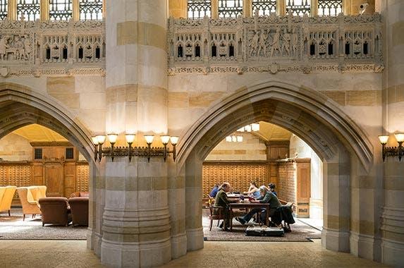 Yale University  © f11photo/Shutterstock.com