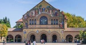 Stanford Memorial Chapel ©amadeustx/Shutterstock.com