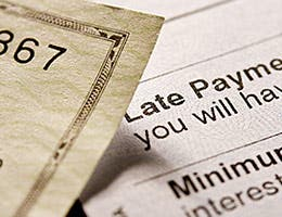 Stop paying fees © photastic/Shutterstock.com
