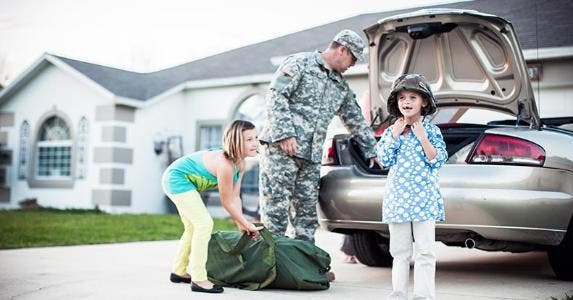 military soldier coming home kids helping getty_573x300