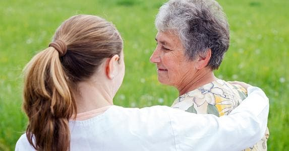 Senior woman and caretaker © Ocskay Bence/Shutterstock.com