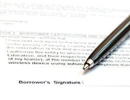 Suspicious refinancing fees © Sandra.Matic/Shutterstock.com