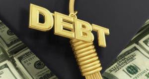 Cap and gown debt tassel © Fotolia.com