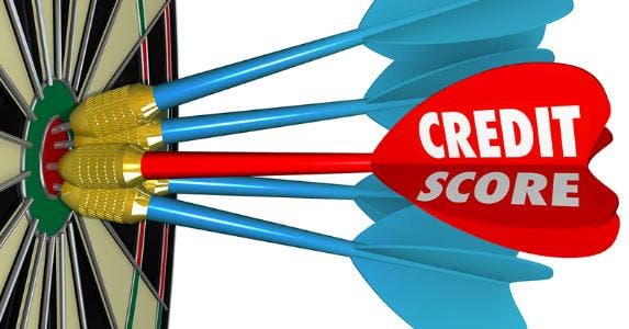 Credit score darts hit bullseye © iQoncept/Shutterstock.com