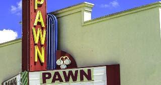 Pawn shop © SchubPhoto/Shutterstock.com