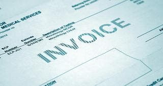 Medical invoice © GeorgeMPhotography/Shutterstock.com