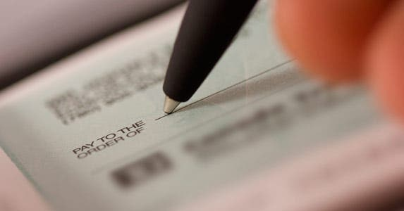 Cashing a friend's check and it bounces © iStock