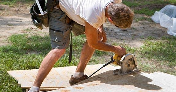 Unsafe job conditions © Steven Frame/Shutterstock.com