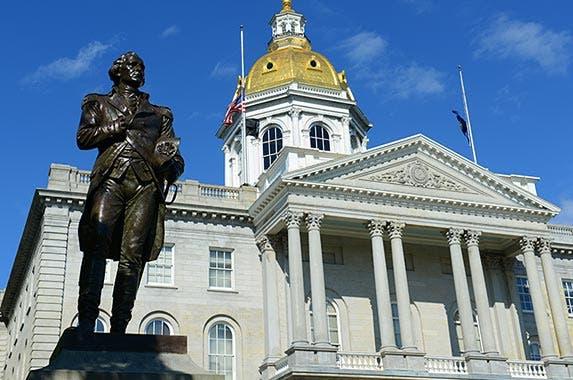 New Hampshire state budget © jiawangkun/Shutterstock.com