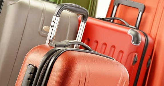 Try not to pay for bags © monticello/Shutterstock.com