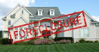 House in foreclosure © Stephen VanHorn / Fotolia.com