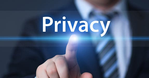 Don't forget your privacy settings © Alexander Supertramp/Shutterstock.com
