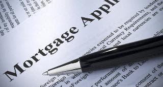 Mortgage application © Anton Prado PHOTO / Fotolia.com