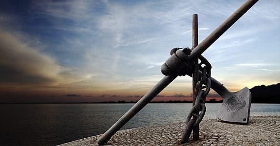 Anchoring © Gwoeii/Shutterstock.com