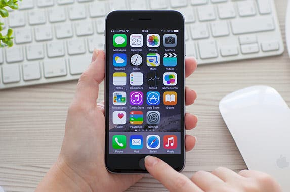 iPhone 6 | iStock.com