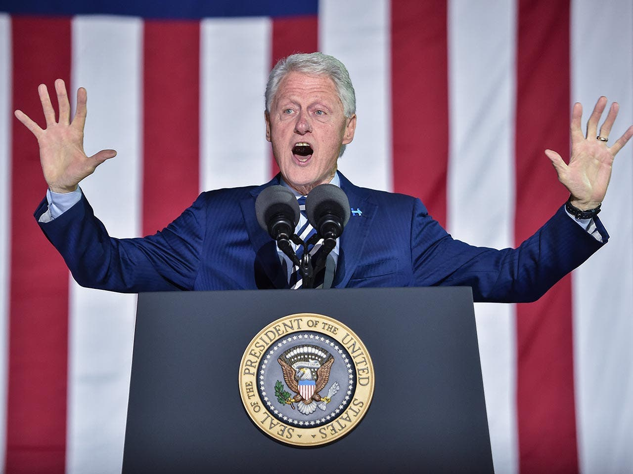 Bill Clinton | NICHOLAS KAMM /Getty Images