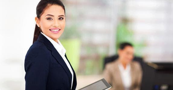 Woman in business suit © michaeljung/Shutterstock.com