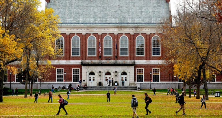 9 fabulous financial aid offers for college