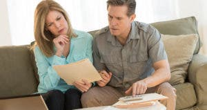 Older couple confused over letter © iStock