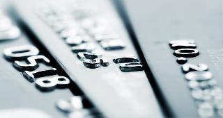 Credit cards closeup © luchunyu/Shutterstock.com
