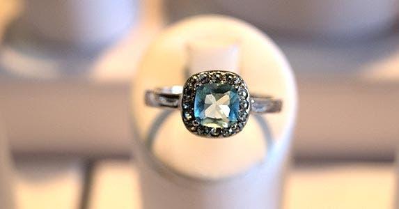 Jewelry, dress shirts © iStock