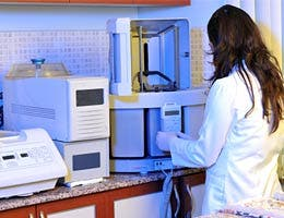 Job: Biomedical engineer © uwimages - Fotolia.com