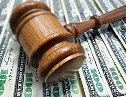 Expected and unexpected divorce expenses © zimmytws/Shutterstock.com