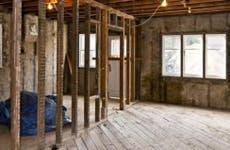 Inside of house under gut renovation © Elena Elisseeva/Shutterstock.com