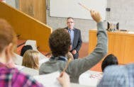 Professor teaching students © wavebreakmedia/Shutterstock.com