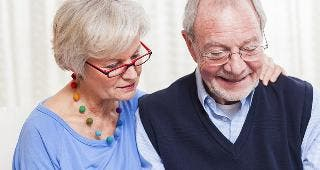 Senior couple budgeting © Andreas Saldavs/Shutterstock.com