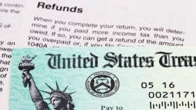 Do you want a big tax refund or bigger paycheck?