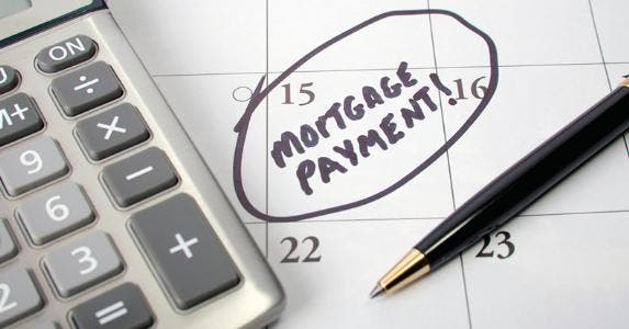 mortgage payment date circled on calendar istock