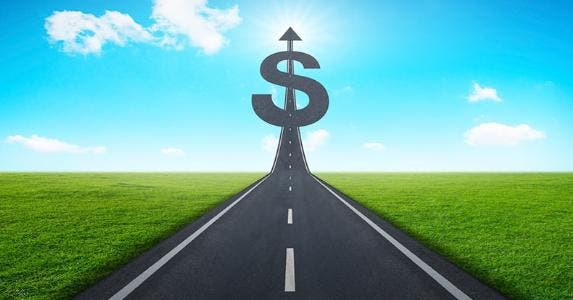 Road to financial success © iStock