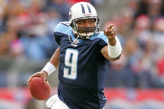 NFL quarterback Steve McNair | Matthew Stockman/Getty Images