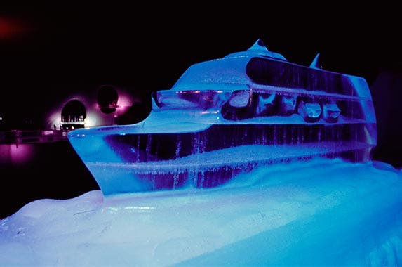 Amenity: Ice bar | DEA / M. SANTINI/GettyImages